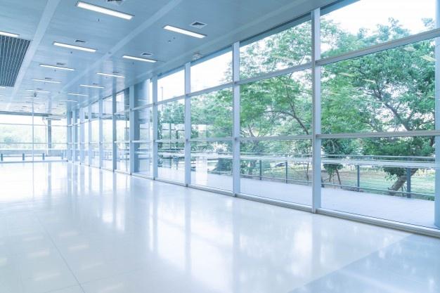 Steklena stena za poslovne ali bivalne prostore